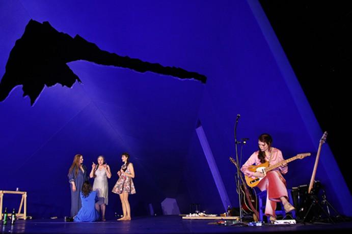 eine-familie-theater-bremen-2016